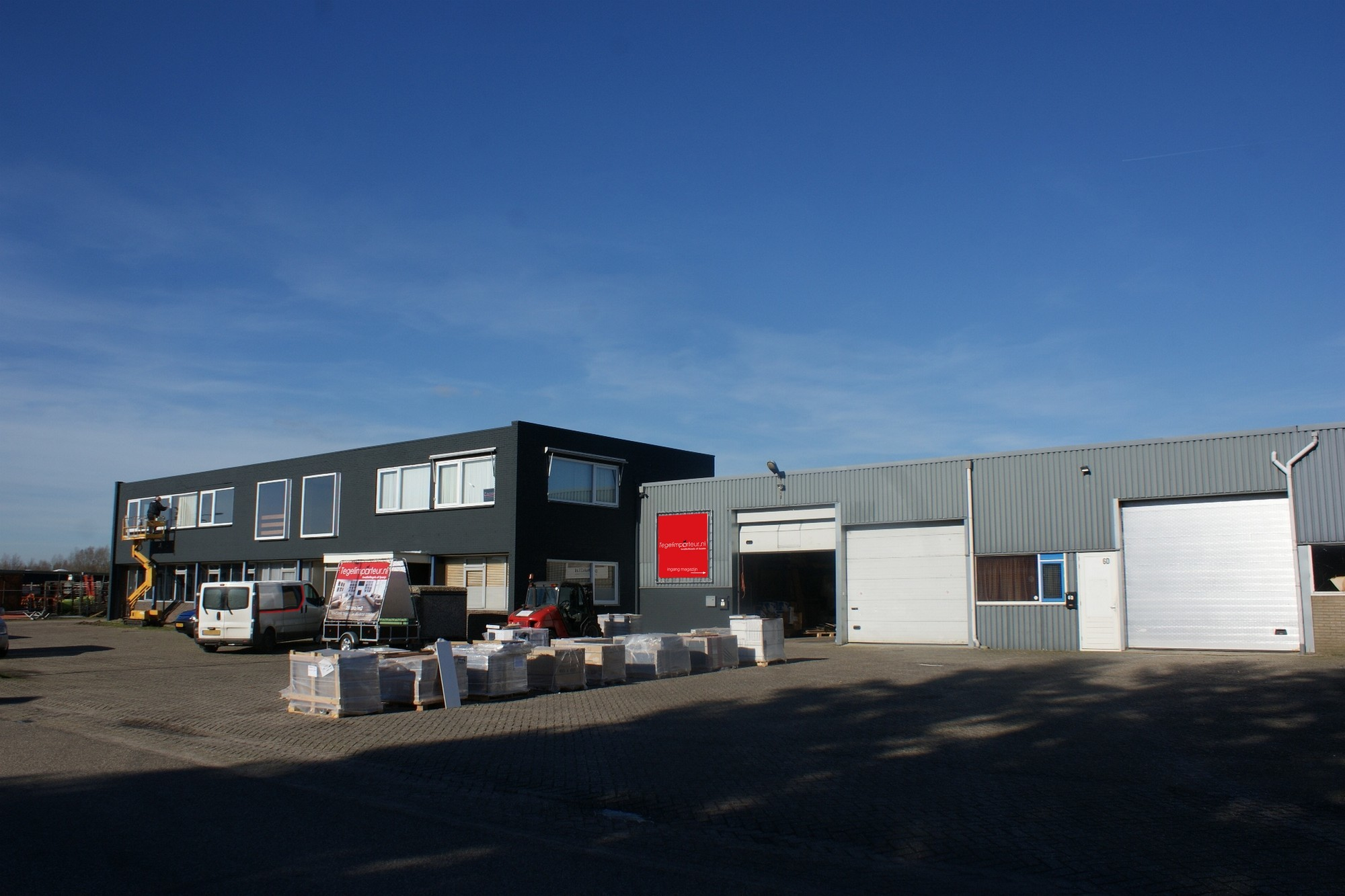 Tegelimporteur Industrieweg 6, Dreumel
