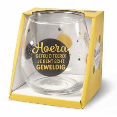 Wijn/waterglas -Hoera