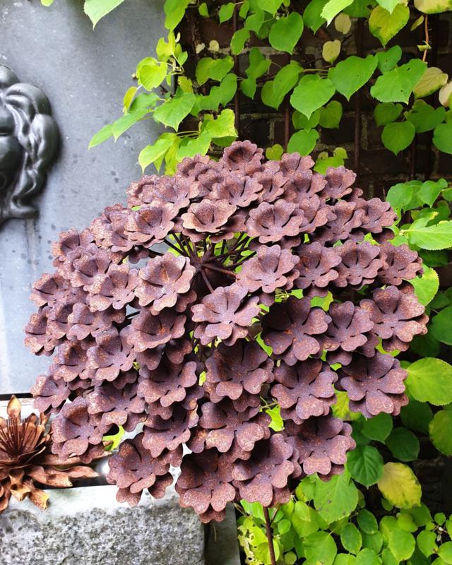 Rusty flower 426
