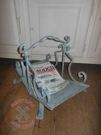 Krantenbak metaal