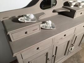 Sierlijk dressoir