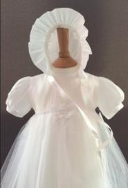 Doopjurk Emma met doopmuts  voor 6 - 12 maanden