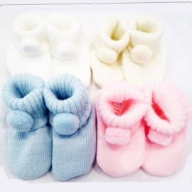 Soft Touch gebreid baby slofje