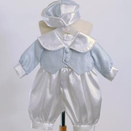 Dooppakje satijn wit met lichtblauw doopjasje en wit met blauw doopmutsje 6 tot 9 mnd (mt 74)