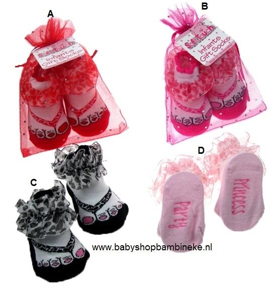 Baby sokjes in teentjes in slipper model met ruches van Soft Touch in cadeau zakje set van 4 verschillende kleuren