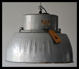 Industriële lamp, grote fabriekslamp. zeer stoere lamp! (12 beschikbaar!)