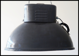 Industriële lamp, grote ovale fabriekslamp. zeer mooie lamp! (meerdere beschikbaar)