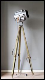 Statief lamp met kleine CCCP theaterspot . (3 beschikbaar)