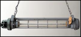 Industriële Tube, grijze TL (Tube), omgebouwd naar 2 E27 fittingen! (meerdere  beschikbaar)