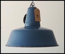 Petrolblauw emaille industrielamp middelgroot ,stoere lamp! (15 beschikbaar)