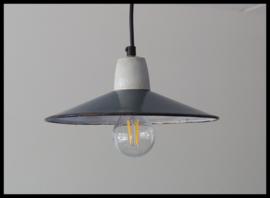 Oude schotel lamp, mooie petrolgroene kleur (2 beschikbaar)