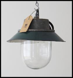 Mooie industriële bullylamp, fraaie groene kleur in mooie staat!