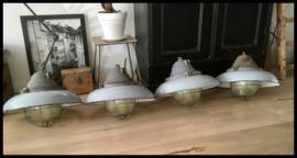 Zeer gote Kooilamp, grijze kleur, helder glas! superstoere zeldzame lamp! (4 beschikbaar)