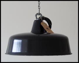 Stoere robuuste zwarte industriële lamp  (20 st beschikbaar)