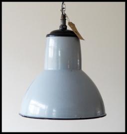 Zeldzame middelgrote grijze Philips lamp uit 1938, uit oude ijzergieterij De Holland, nog 1 st beschikbaar