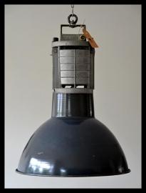 Stoere emaille Mazda lamp M2 , collectors item! (9 beschikbaar)
