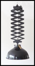 Zeer grote industriële schaarlamp, exclusief model! (2 beschikbaar )