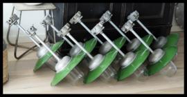 Mooie grote industriële bullylamp / stallamp, mooie machinegroene kleur! (2 beschikbaar)
