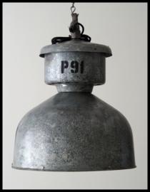 Industriële lamp, grote fabriekslamp. zeer stoere lamp!