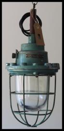 Industriële kooilamp groen, grote zeer fraaie bully in mooi Hamerslag groen! (18 beschikbaar)