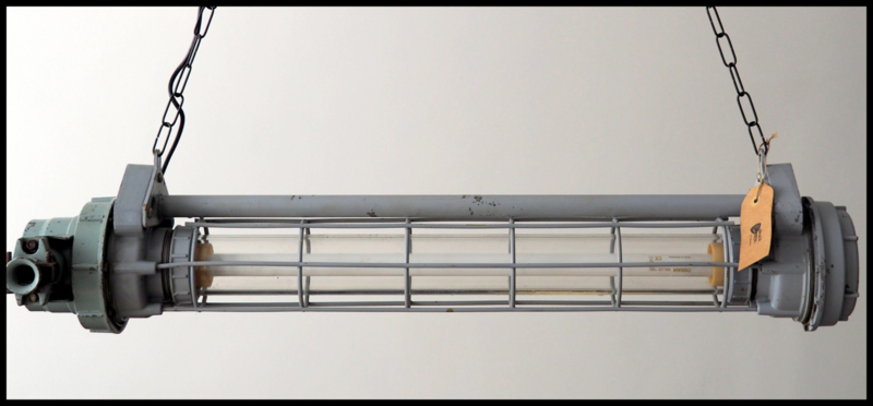 Industriële Tube, grijze TL (Tube), omgebouwd naar 2 E27 fittingen! (24  beschikbaar)
