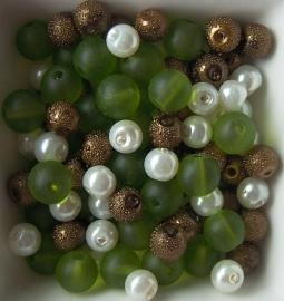 Mix van glaskralen in ivoor/groen/bruin, 100 stuks