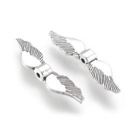 Vleugelkralen in antiek zilverkleur