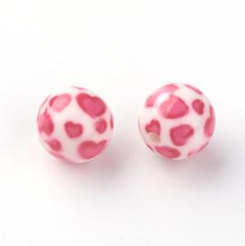 Resin kraal 10 mm met roze hartjes