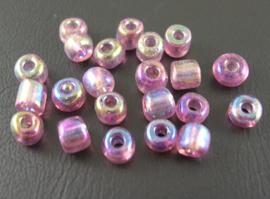 kleine glazen kraaltjes, ca 4 mm. 100 stuks