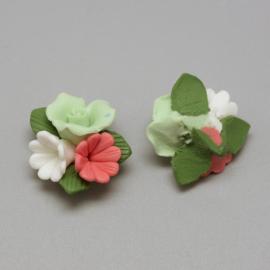 Porceleinen bloemkraal groen-wit-roodroze