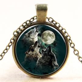 Ketting wolven huilend naar de maan