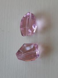 Onregelmatige facetkraal in roze