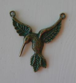 Connector kolibrie in antiek  bronskleur met groen patina