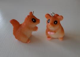 Resin hanger eekhoorn