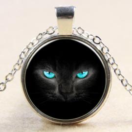 Ketting zwarte kat met blauwe ogen