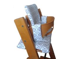 kussen / stoelverkleiner stokke tripp trapp triangel