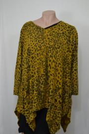 Moon Trui / Shirt  knip onderkant mt. 3 geel vlek