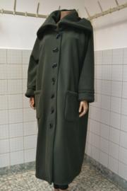 Boris Jas 1118, groen. Lang, recht model ongevoerd. Grote zakken. Mt. 42-48