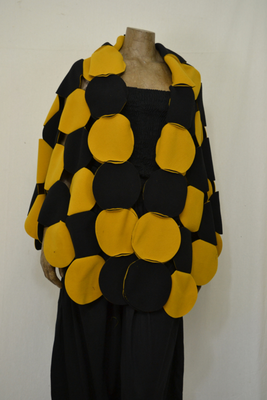 Boris Circel poncho geel/zwart
