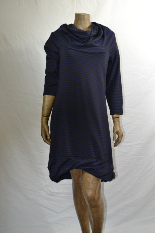Boris jurk zwart/paars  col nr. 2100 mt 5