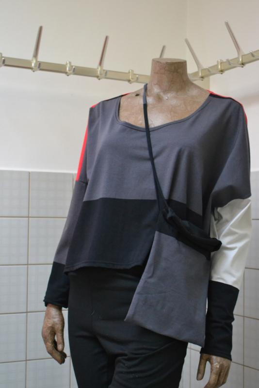Boris Shirt / Trui 2525 met tasje grijs/zwart/room/rood/antraciet