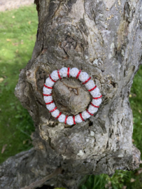 Knotband glamspacer rood/zilver
