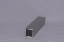 E 25x25 Aluminium koker 25x25x2mm. Lengte 99 cm.