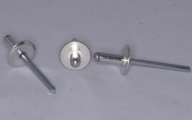 P12 Popnagel 4x12 kop 12 mm. per 100 stuks