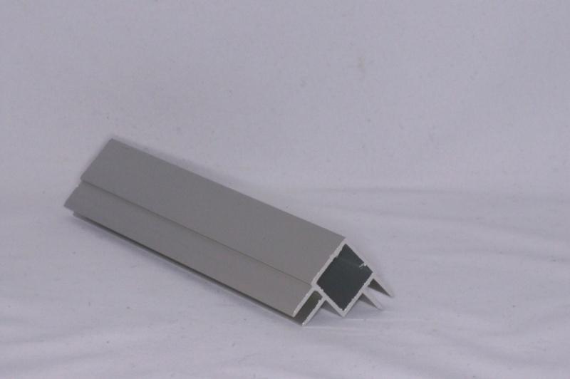 45 H 2 Aluminium koker met 2 profielen 4,5 mm. haaks Lengte 199 cm.