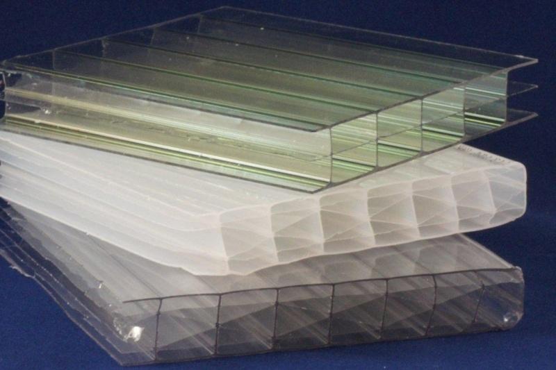 Polycarbonaatplaat 16mm.