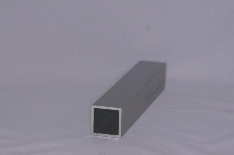 25x25 E Aluminium koker 25x25x2mm. Lengte 199 cm.