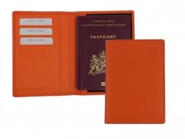 Paspoort etui van oranje kunstleder