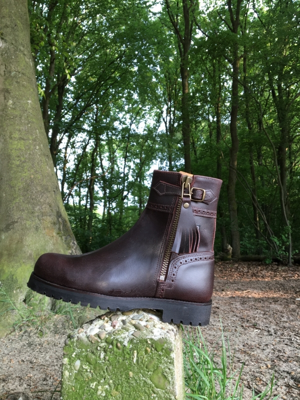 Model Classico 'Kort'  Unisex outdoor laars in donkerbruin leer