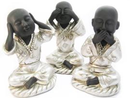 zilverkleurige boeddha's